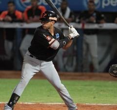 Aguilas-del-Zulia-Reegie-Corona-07-11-2014